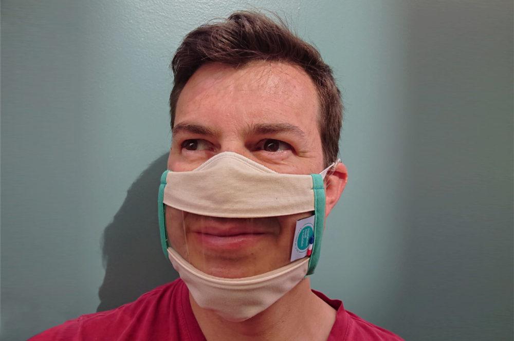 Cédric Lorant, Président d'Unanimes avec le masque transparent Sourire Odiora